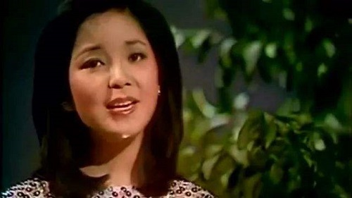 Ai Ren Shi Ge Duo Qing Ren 爱人是个多情人 Lyrics 歌詞 With Pinyin By Deng Li Jun 邓丽君 Teresa Teng