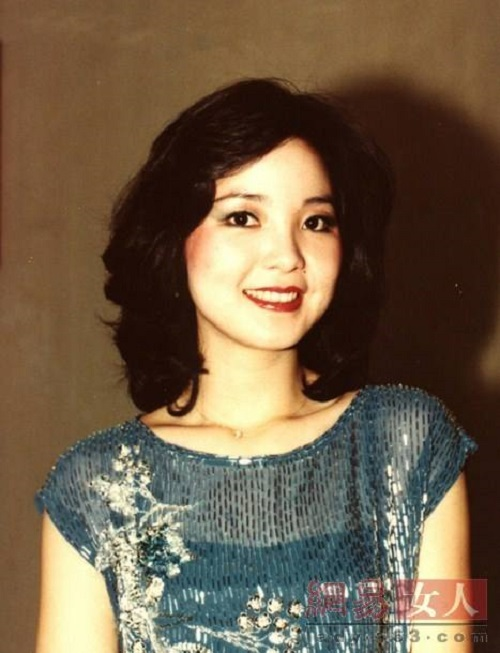 Wo Jiu Shi Ai Ni 我就是爱你 I Just Love You Lyrics 歌詞 With Pinyin By Deng Li Jun 邓丽君 Teresa Teng