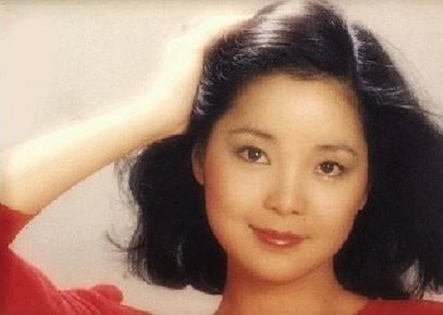 Xun Zhao 寻找 Look For Lyrics 歌詞 With Pinyin By Deng Li Jun 邓丽君 Teresa Teng