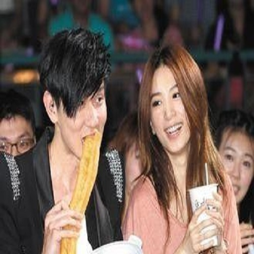 Dou Jiang You Tiao 豆浆油条 Soybean Milk And Fried Bread Stick Lyrics 歌詞 With Pinyin By Lin Jun Jie 林俊杰 JJ Lin